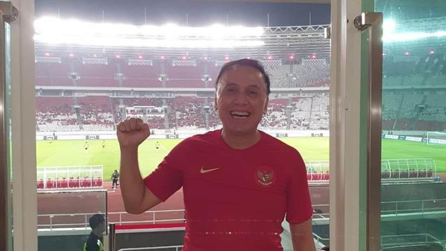 sepak-terjang-iwan-bule-di-sepak-bola-indonesia-lebih-banyak-bergerak-dalam-senyap